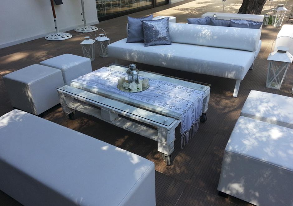 Eventos ceibo alquiler de mobiliario ambientaciones for Jardines la hacienda el puig